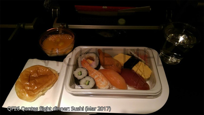QF26 Qantas international flight: Sushi!