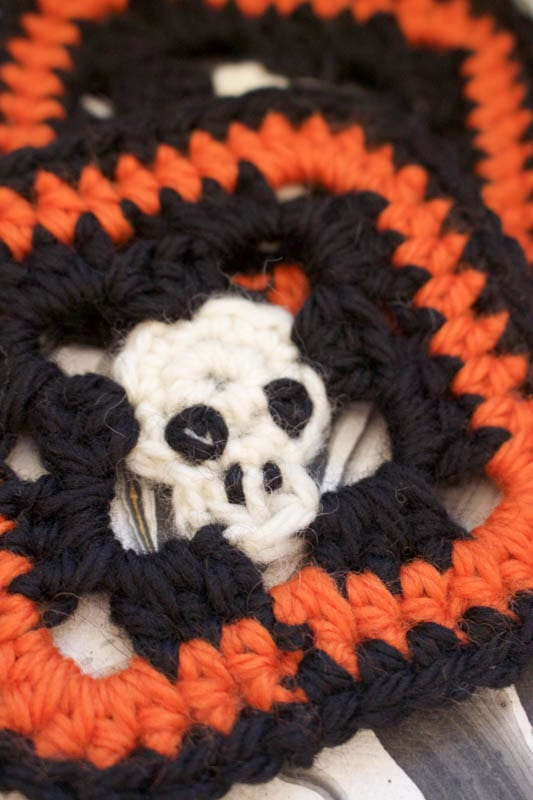 Skull crocheted coasters embroidery