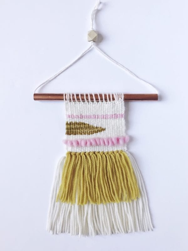 Mini Woven Wall Hanging by Vickie Howell for Clover. Step by step tutorial!