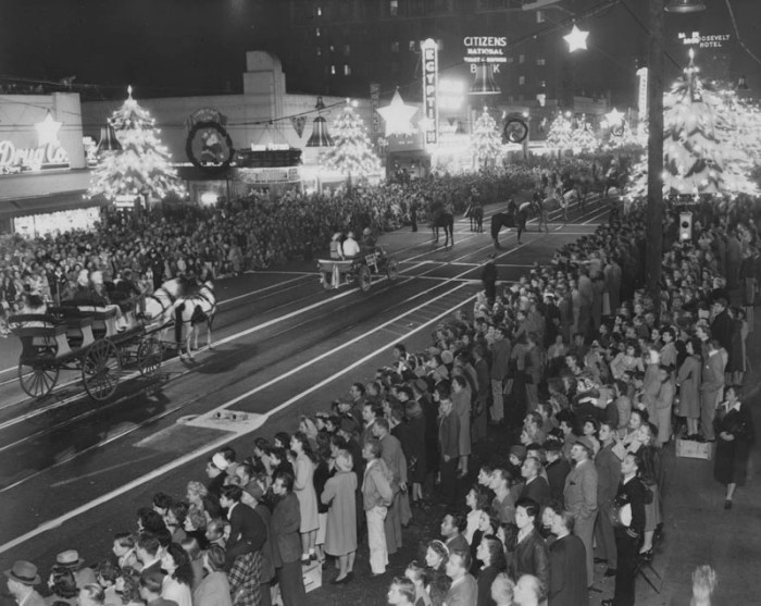 1945 Santa Claus Lane Parade, Hollywood