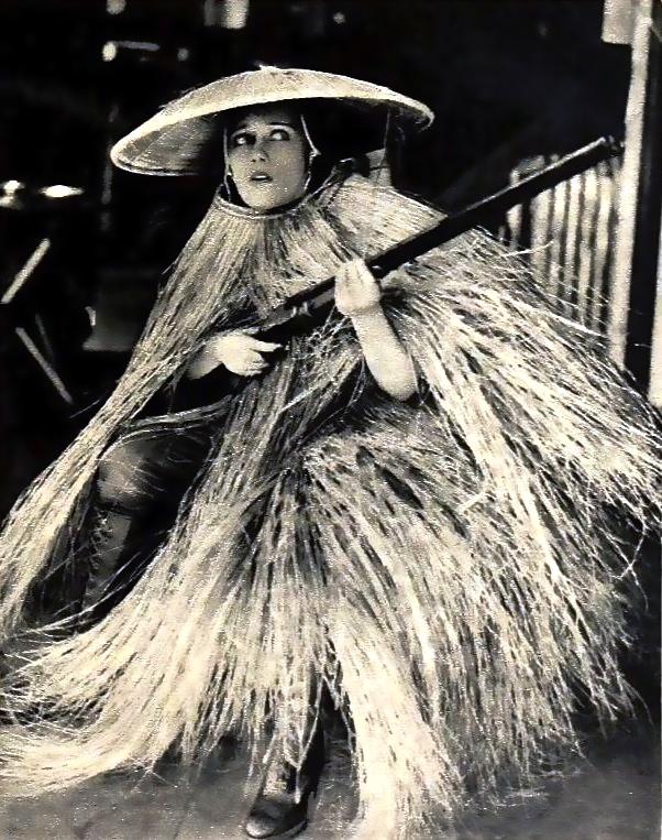 Gloria_Swanson_-_Nov_1919_Shadowland