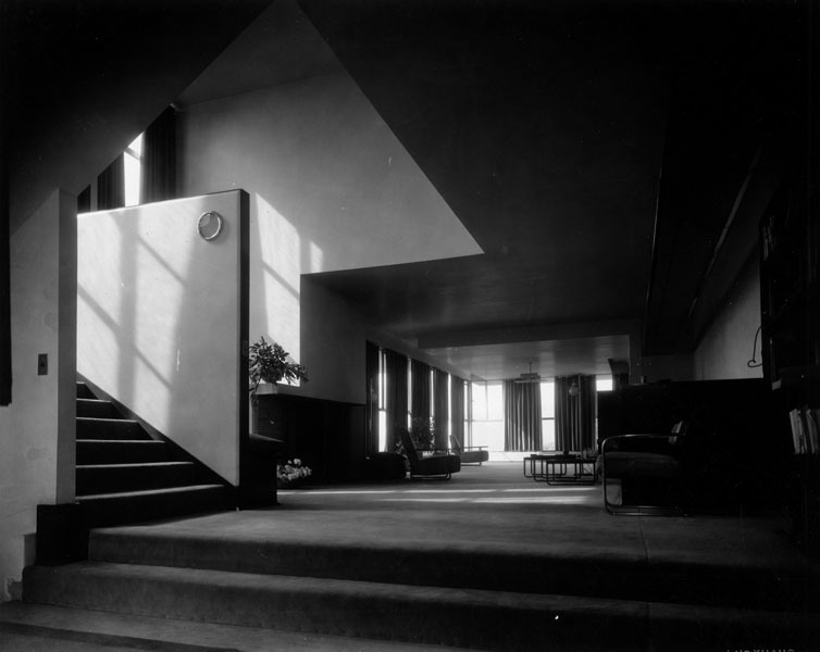 1929-photo-luckhaus-studio-lovell-house-neutra