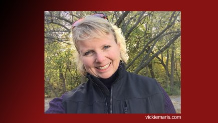 Photo of Vickie Maris who teaches Udemy course on creating simple talking head videos