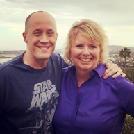 Photo of Chris Ducker and Vickie Maris at the Youpreneur mastermind in San Diego.