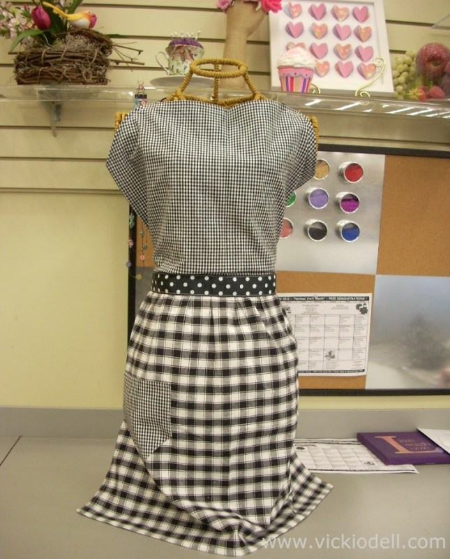 How To Stitch Up an Apron with Two Dish Towels
