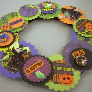 Halloween Crafts: Paper Wreath With Left Over Supplies