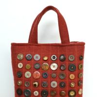 Refashion runaway - buttons (free bag pattern)