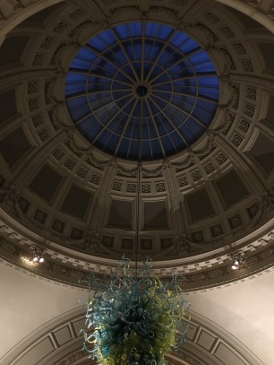 The big Dome in the Entrance Hall - it's already dark outside!
