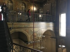 The King's Staircase is written on the wall between the two arches