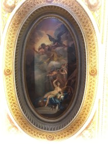 Not only the fresco is impressive, but the frames are also fascinating