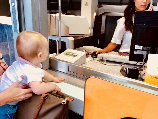 Check-in am Außenpunkt Terminal 2, München MUC
