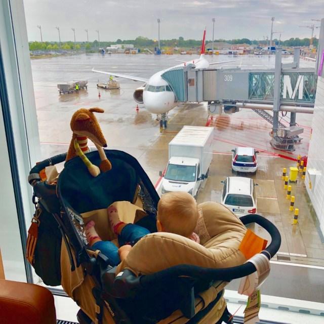 Warten auf das Boarding in der Senator Lounge, Flughafen München
