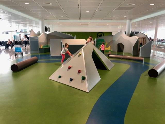 Indoor Kinderspileplatz Terminal2 Satellit, Flughafen München
