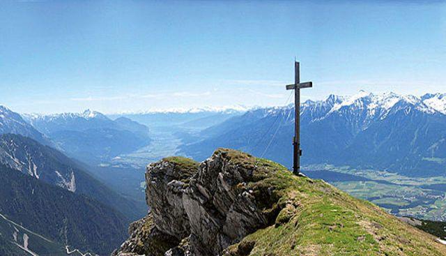 Gipfelkreuz Simmering (2098m), Tirol, Österrieich