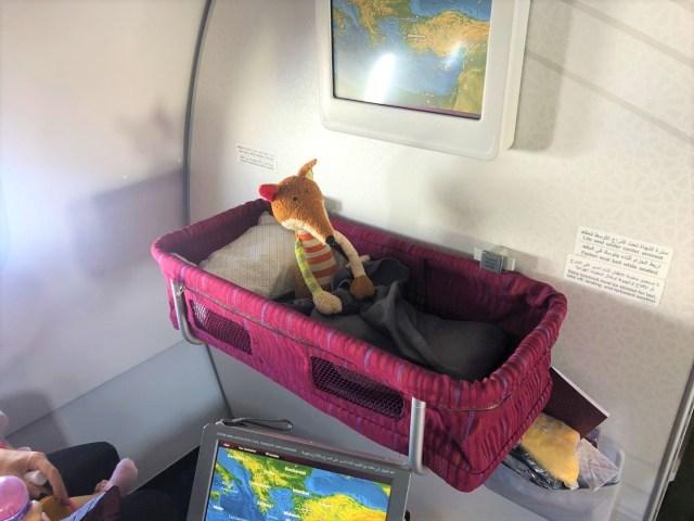 Qatar Airways Baby Bassinet im Airbus A320