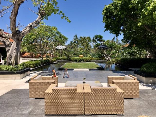 Entspannung pur auf Bali - weitläufige Lounge Bereiche zum entfliehen