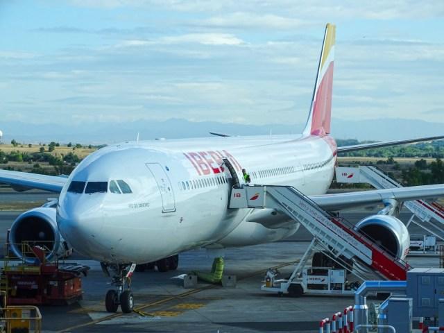 Iberia Airbus A330-300 am Flughafen Madrid (MAD)