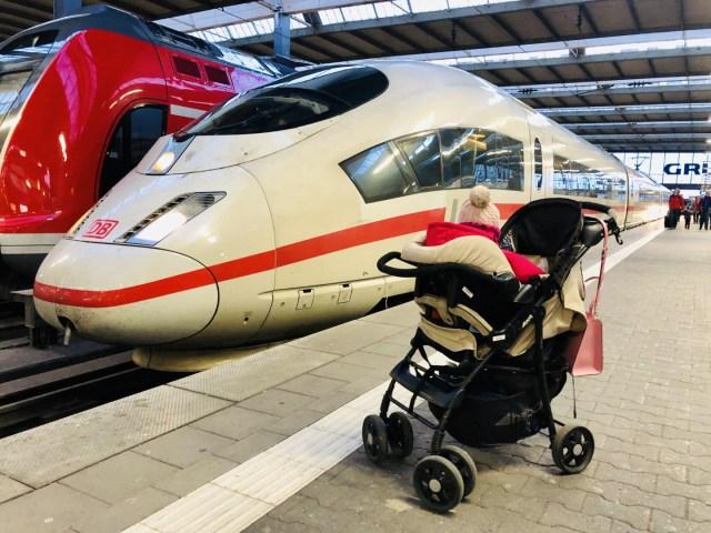 Einsteigen am Münchner Hauptbahnhof bei Minusgraden