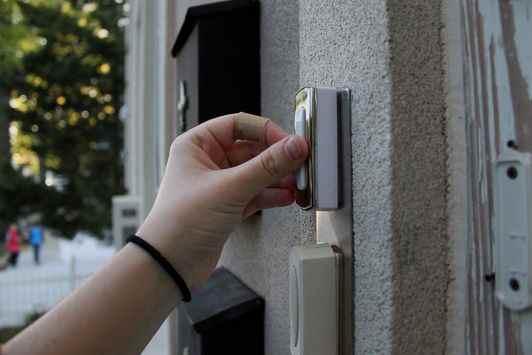 sonnette video portier interphone connecté réduire le risque de cambriolage