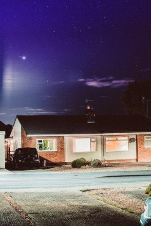 domotique maison nuit lumiere détecteur connecté