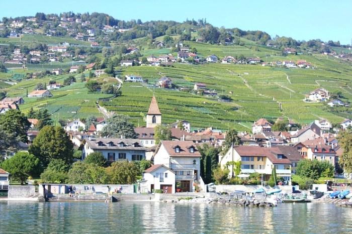 로잔에서 브베이 사이  라보(Lavaux) 지역은 레만호에서도 최고의 경치를 자랑하는 곳
