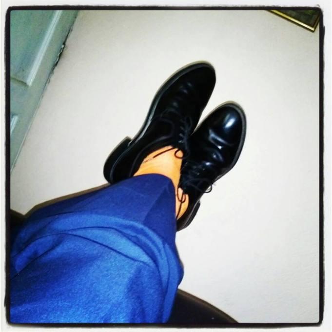Mis calcetines anaranjados apoyando #25deNaranja.