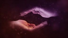 hands-1947915_640