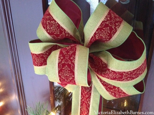 big bows ribbon wreath step by step - How To Make A Big Christmas Bow