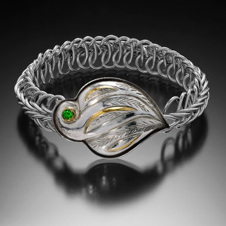 Dovetailed, Vertebrate chain bracelet with a clasp of Eastern repousse and kum boo by Victoria Lansford; photo by Pat Vasquez-Cunningham
