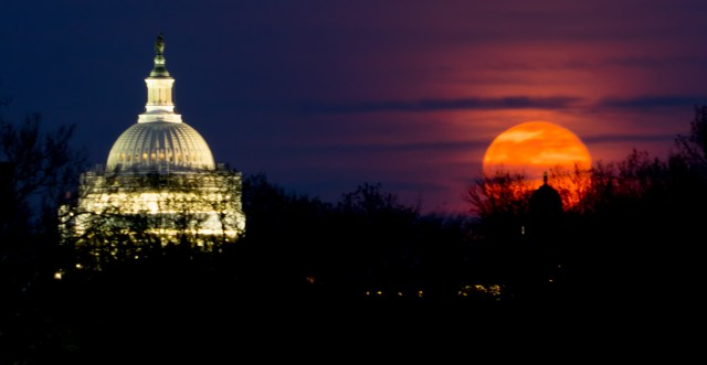 Full moon, as seen from Constitution Gardens