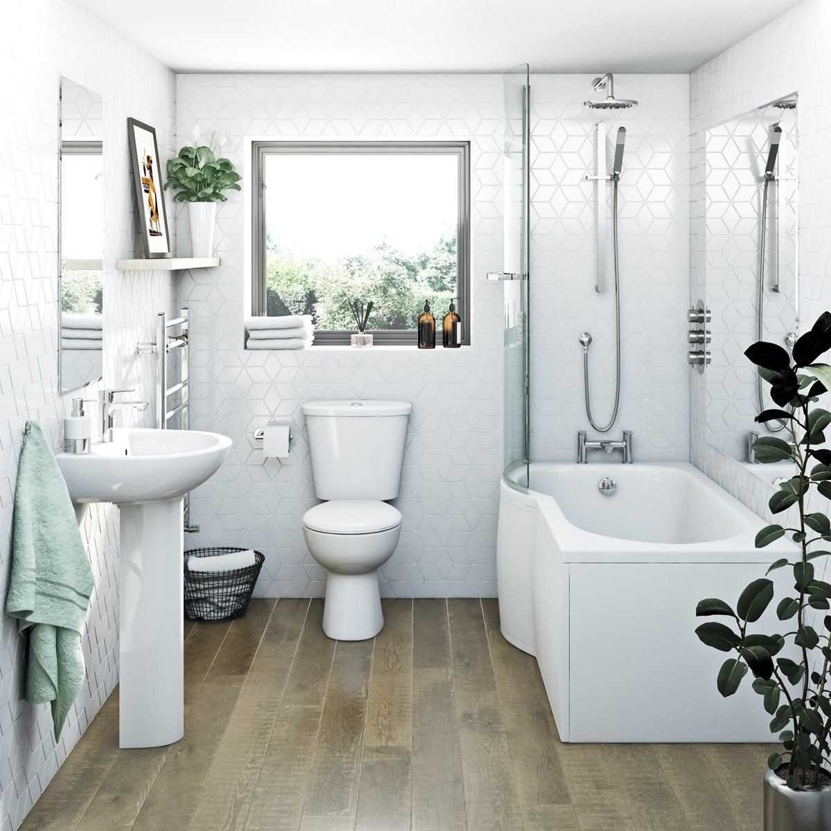 Clarity Bathroom Suite With Left Handed P Shaped Shower Bath