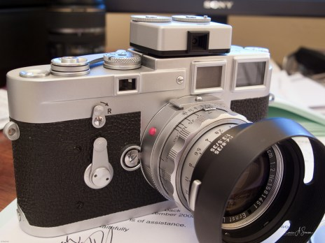 Front view, a web image showing the Voigtlander meter mounted along with a Rigid 50mm Summicron