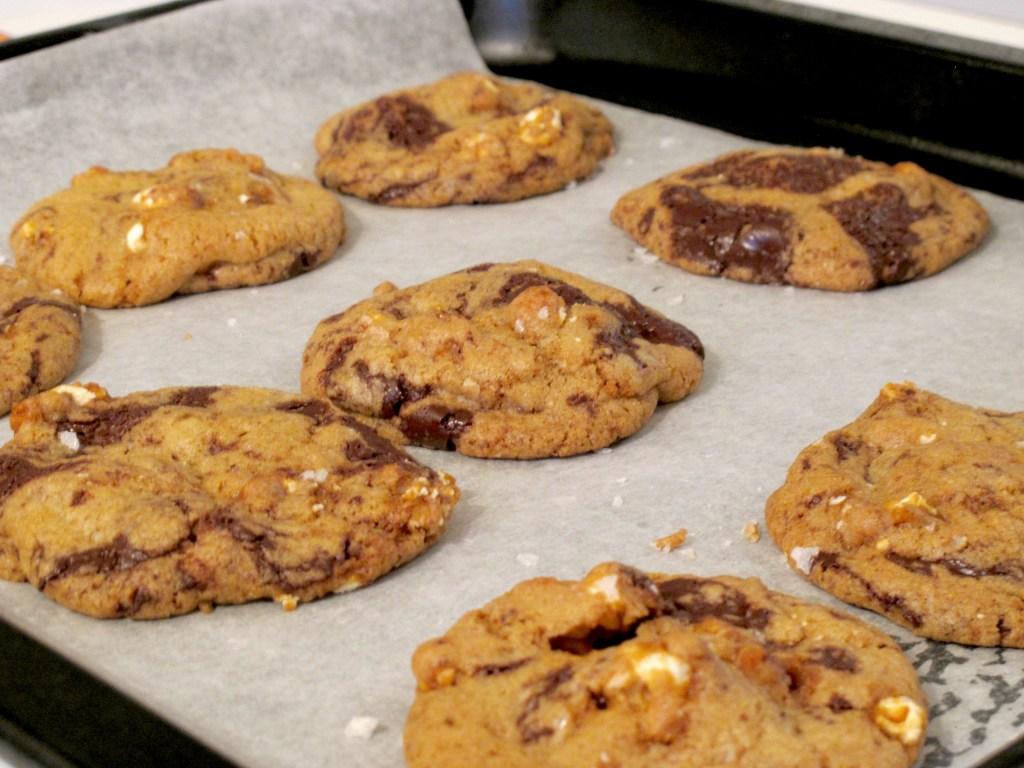 SALTED CARMEL POPCORN AND DARK CHOCOLATE COOKIES