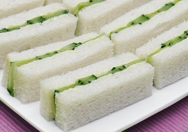 Recipes - Traditional Cucumber Sandwich (3/4)