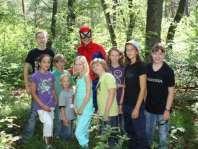 Spiderman in het bos