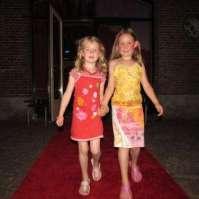 Op de rode loper: Valerie en Fiorella