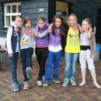 Rode draad groepje met Vera, Lieve, Fay, Eva, Jo-Ann en Fiorella