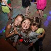 Vera, Lieve en Binke tijdens de disco