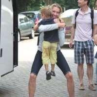 Inge is blij om haar (andere) kinderen weer te zien