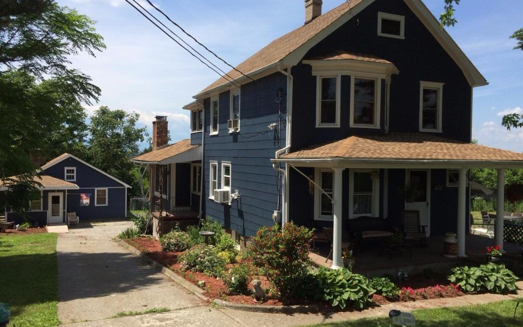 Two Houses for the Price of One – Just Minutes from Hudson