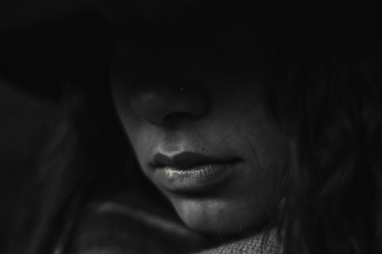 La depresión se caracteriza por pérdida de interés y motivación para realizar actividades que en otro momento pudieron ser importantes para la persona.