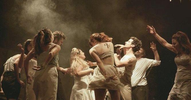 Teatro contemporaneo en la calle Florida – Ciudad de Buenos Aires