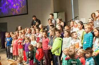 EasterForKids2016_singing