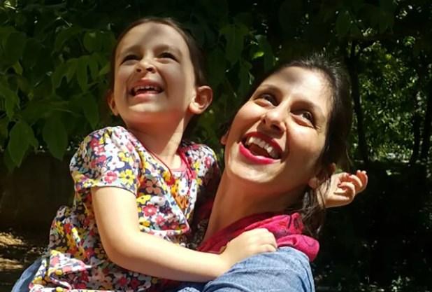 نازنين مع ابنتها