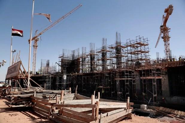 من عمليات البناء في العاصمة الإدارية الجديدة في مصر (أرشيفية)