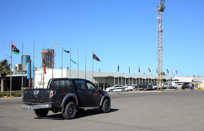 مطار معيتيقة (فرانس برس)