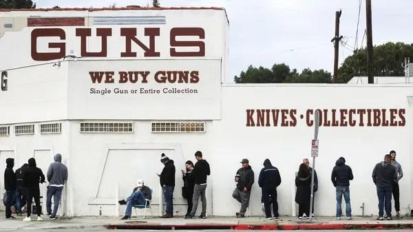 Los Angeles residents stock up on guns as coronavirus fears spread ...