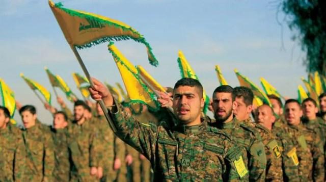 عناصر من ميليشيا حزب الله اللبنانية المدعومة إيرانياً