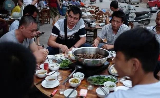 أكل لحوم الكلاب عادة لدى الصينيين منذ 500 سنة - فرانس برس