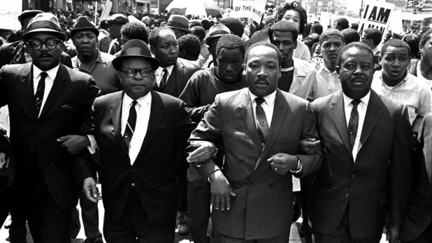 مارتن لوثر كينغ الابن بممفيس عام 1968
